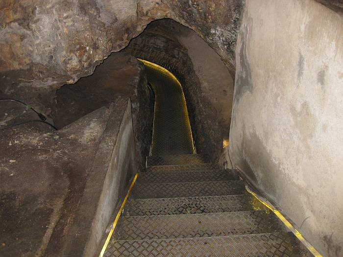 cavessteps2