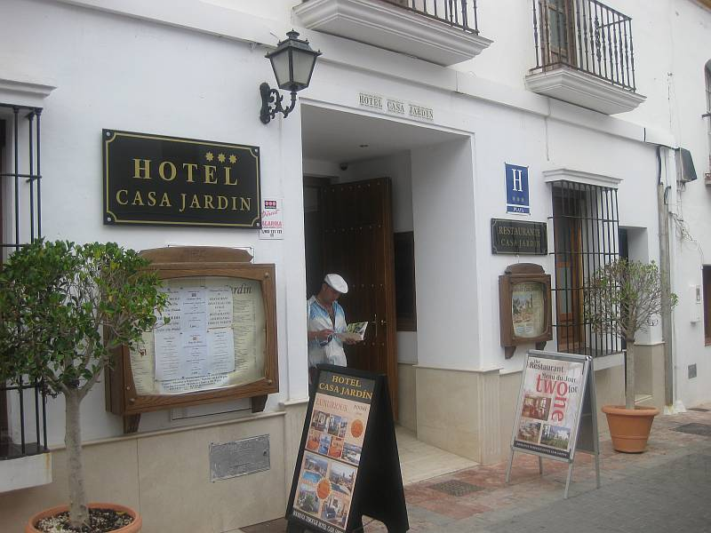 Nerja area guide hotels in nerja nerja today for Casa jardin hotel