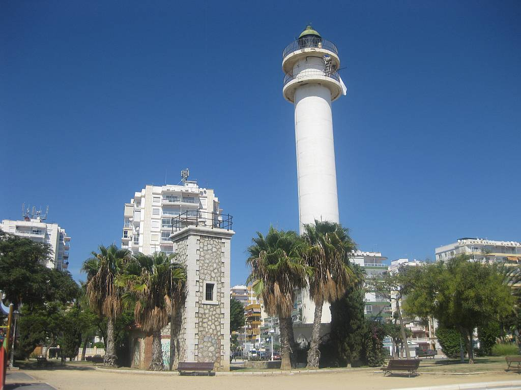 Torre del mar lighthouse nerja today for Oficina turismo torre del mar