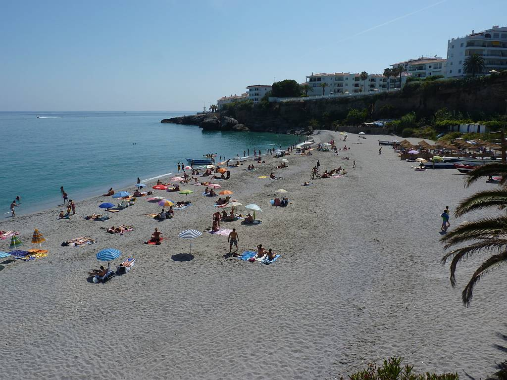 el-salon-beach-nerja-june12th-2011-19