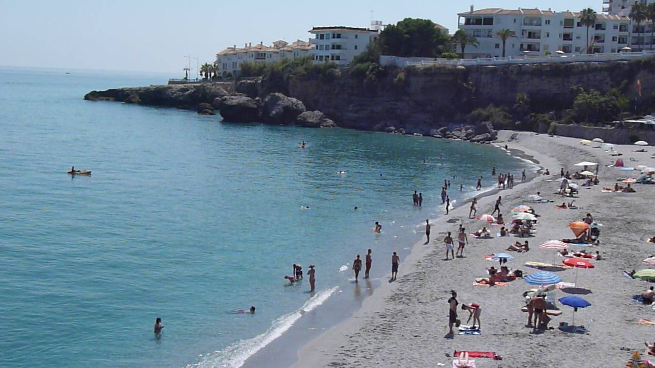 el-salon-beach-nerja-june12th-2011-3