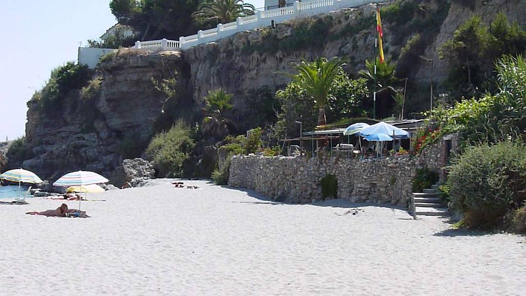 el-salon-beach-nerja-june12th-2011-7
