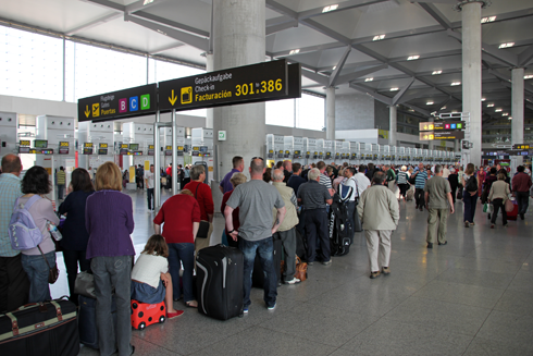 British expat arrested for alleged theft of iPad at Malaga airport